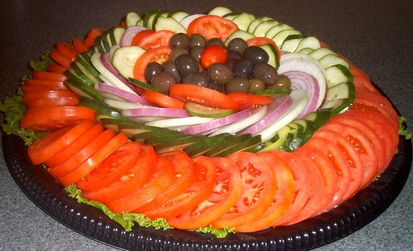 http://7ganj.ir/img/2014/10/salad-decoration-images-with-ideas-11-www.7ganj.ir_.jpg