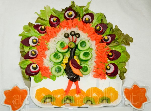 http://7ganj.ir/img/2014/10/vegetable-salad-decoration-www.7ganj.ir_.jpg