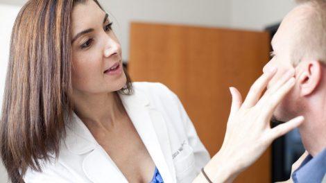 9دلیل برای آنکه به پزشک متخصص پوست و زیبایی خود اعتماد کنیم