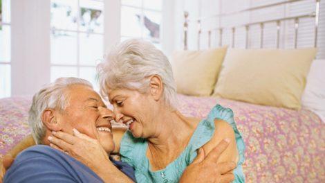 زندگی جنسی سالم می تواند عملکرد مغز در پیری را بهبود دهد