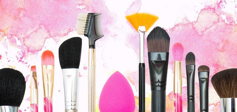آشنایی با ضروری ترین لوازم آرایش خانم ها