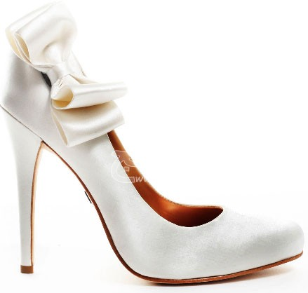 Wedding-Shoes-for-Brides-11