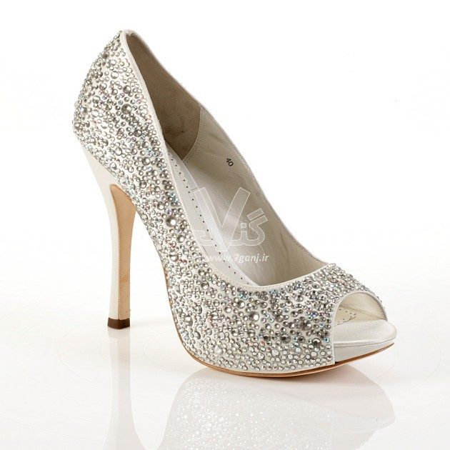 Wedding-Shoes-for-Brides-13-630x630 (1)