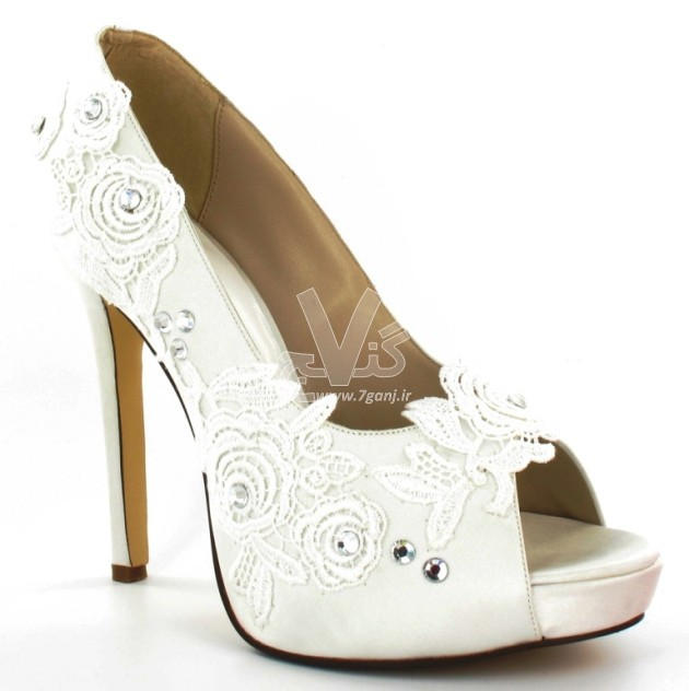 Wedding-Shoes-for-Brides-14-630x632 (1)