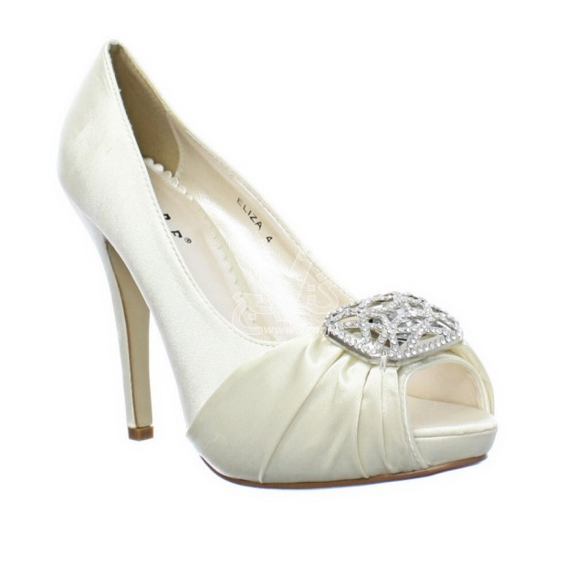 Wedding-Shoes-for-Brides-16-630x630