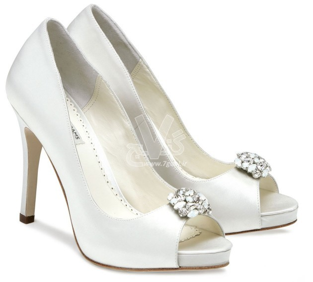 Wedding-Shoes-for-Brides-18-630x567
