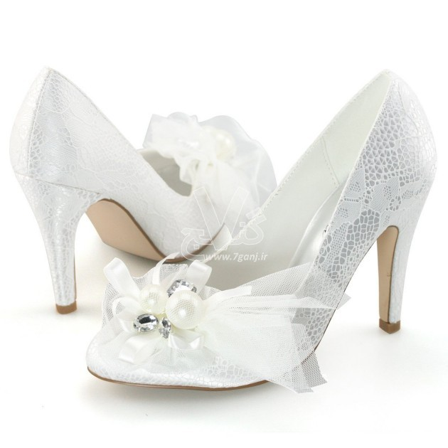 Wedding-Shoes-for-Brides-20-630x630