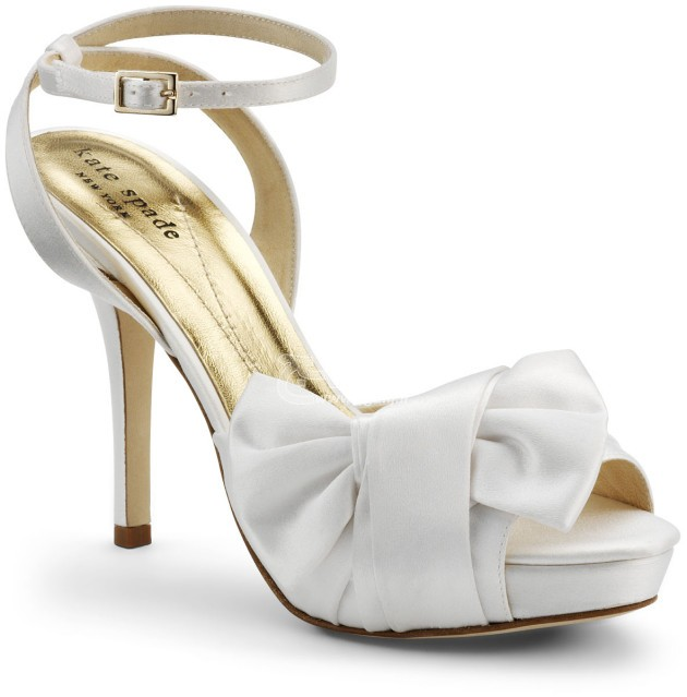 Wedding-Shoes-for-Brides-4-630x639