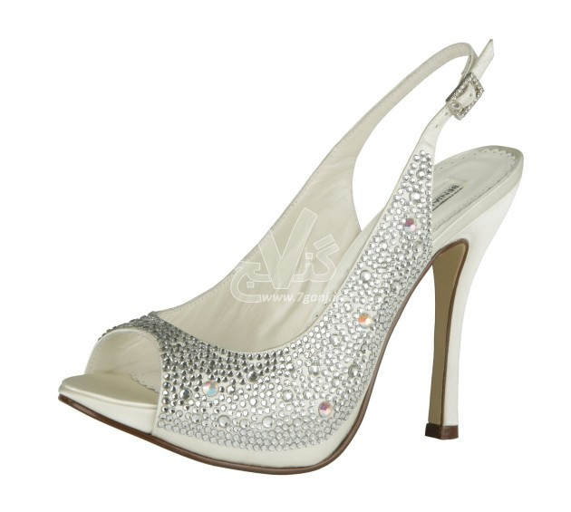 Wedding-Shoes-for-Brides-7-630x565