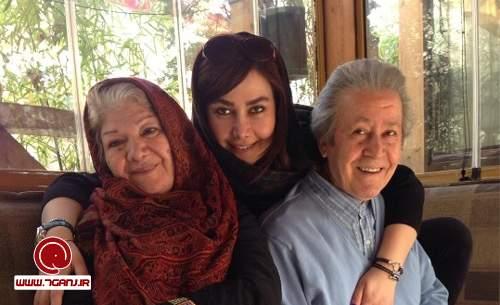 آنا نعمتي و پدر و مادرش