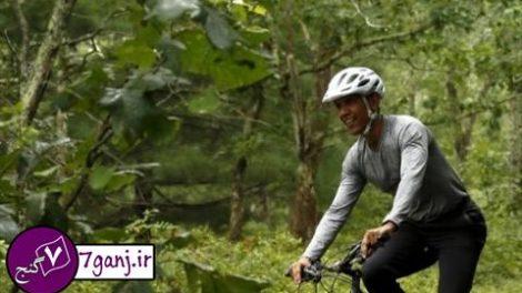 دوچرخه سواري اوباما و دخترانش