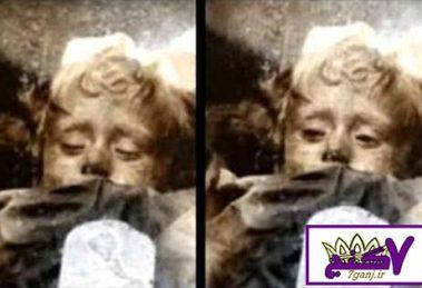 معمای باز و بسته شدن چشم های کودک مومیایی