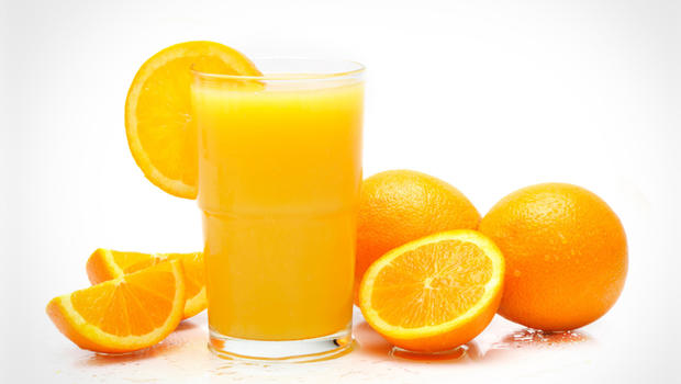 https://7ganj.ir/img/2015/12/orange_juice_000013516654_1.jpg