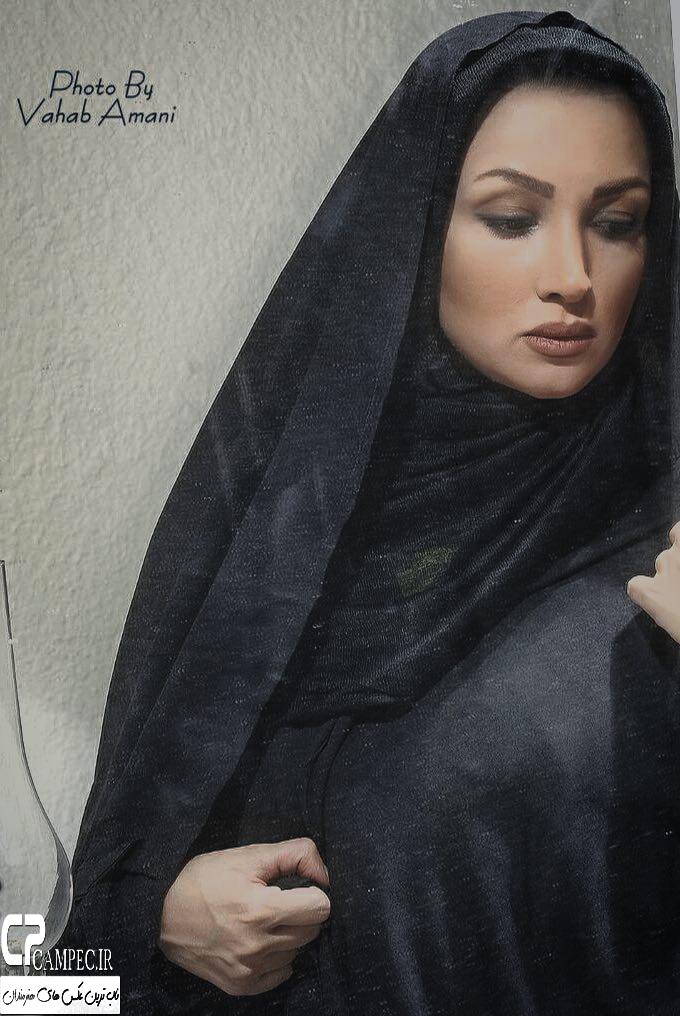 https://7ganj.ir/img/2015/12/www.7ganj.ir_Ronak_Younesi_330-1.jpg