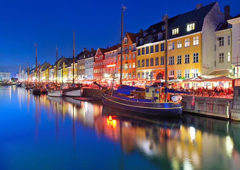 https://7ganj.ir/img/2016/01/Nyhavn-Copenhagen-Denmark.jpg