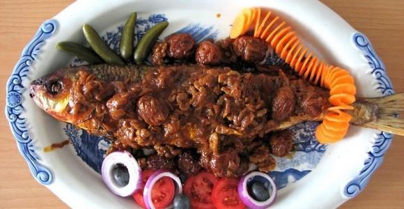 طرز تهیه ماهی شکم پر با سس انار