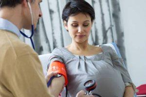 با فشار خون بارداری چه کنیم