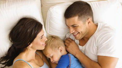 4 راهکار برای بهبود زندگی عاطفی تان بعد از تولد فرزند