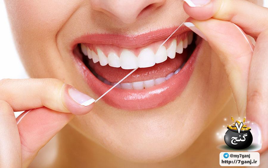 بهداشت دهان و دندان با نخ دندان