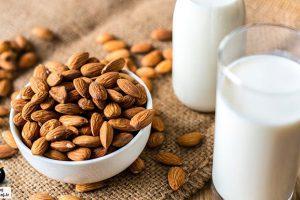 خواص شیر بادام