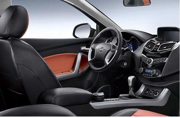 نمای داخلی ماشین هایما S5