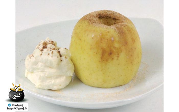 سیب پخته شده ادویه ای