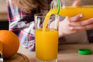 نوشیدن آب پرتقال