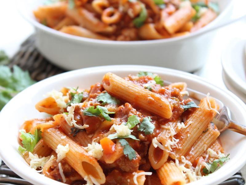 طرز تهیه پخت پاستا با گوشت چرخ کرده متفاوت و آسان