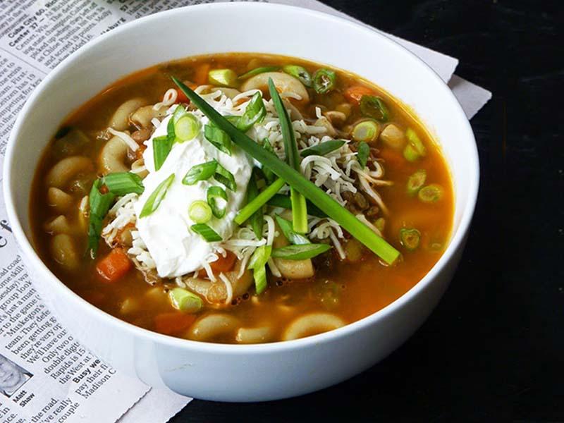 طرز تهیه کامل سوپ عدس و کاری خوشمزه