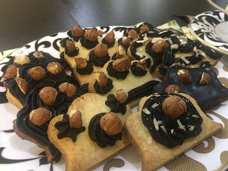 طرز تهیه شیرینی فندقی خانگی خوشمزه و لذیذ پخت در منزل