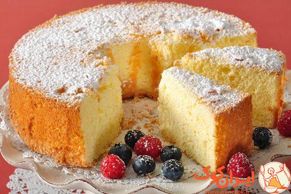 طرز تهیه کیک اسفنجی گلاب و رزبری
