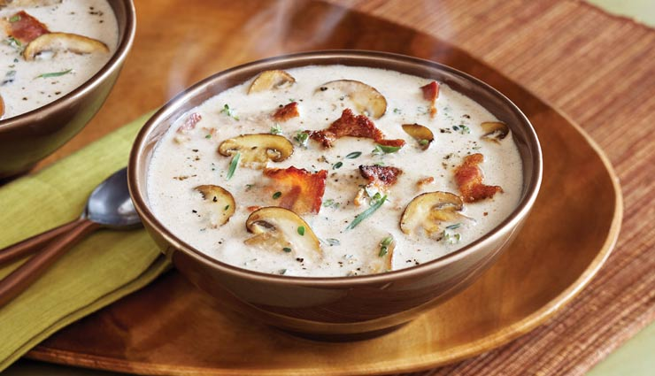 طرز تهیه سوپ قارچ با خامه؛ سوپی لذیذ برای مهمانیها