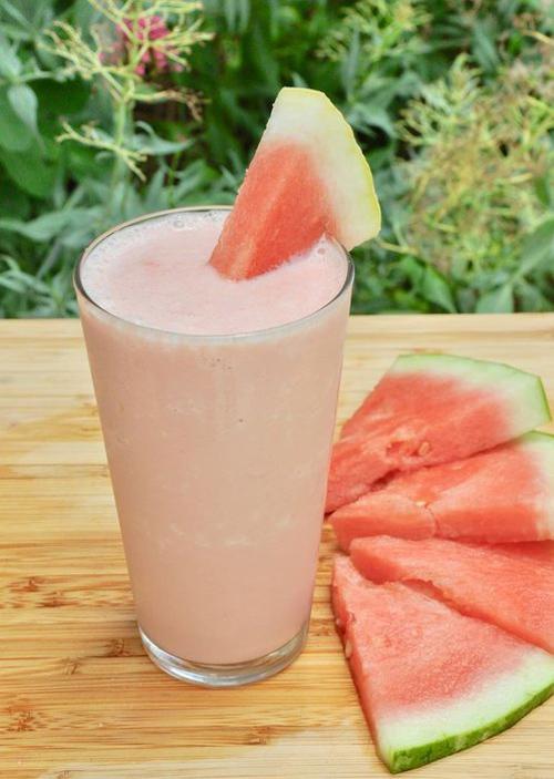 طرز تهیه نوشیدنی خنک تابستانی شیک هندوانه