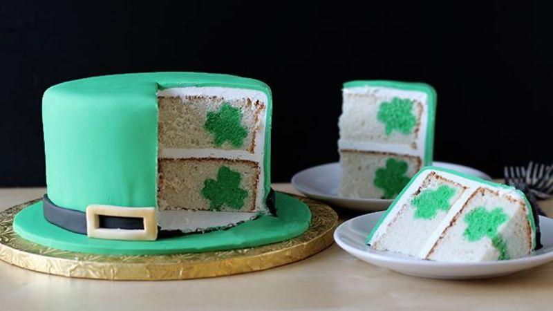 طرز تهیه کیک سورپرایز