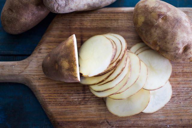 طرز تهیه آسان و سریع سیب زمینی با پنیر