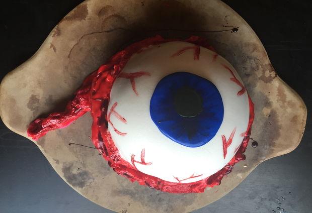 طرز تهیه کیک جالب و سرگرم کننده چشمی