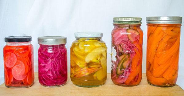 طرز تهیه با این فرمول هر بار بهترین ترشی شور میوه و سبزیجات را درست کنید