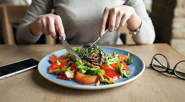 طرز تهیه رژیم غذایی وگان با بدن شما چه میکند؟