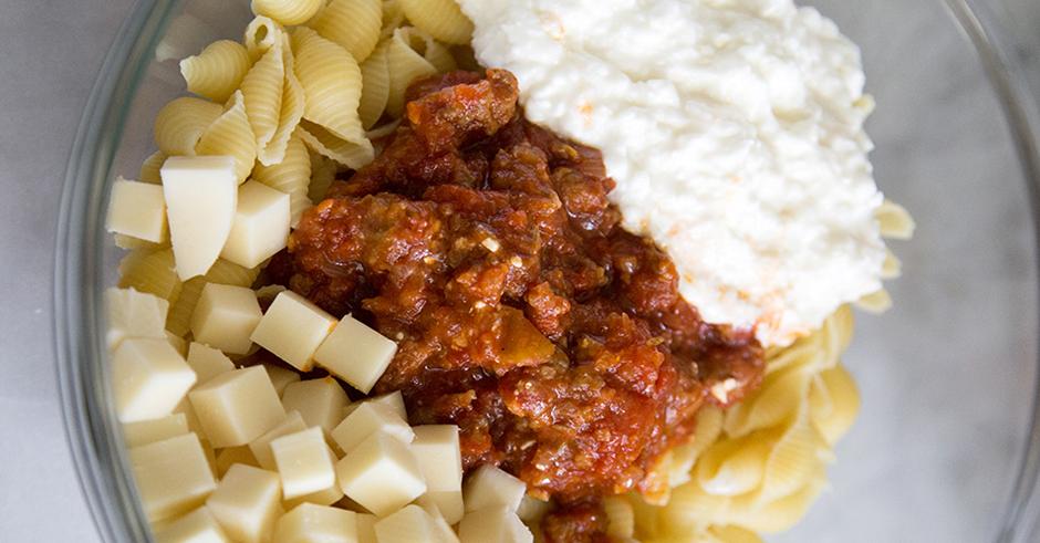 طرز تهیه پاستا با پنیر کاتیج