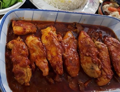 طرز تهیه خورش فیله مرغ و قارچ
