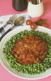 طرز تهیه خوراک کالباس و نخودفرنگی