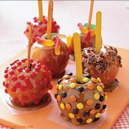 طرز تهیه سیب کارامل شکلاتی با پاستیل و اسمارتیز