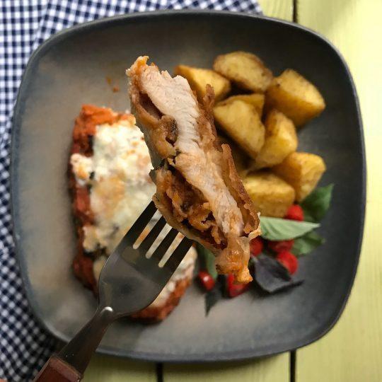 طرز تهیه چیکن پارمزان/ مرغ سوخاری با پنیر پارمزان