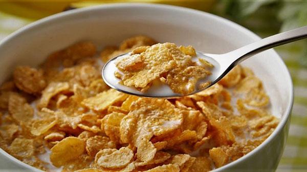 طرز تهیه کورن فلکس خانگی؛ صبحانهتان را کامل کنید