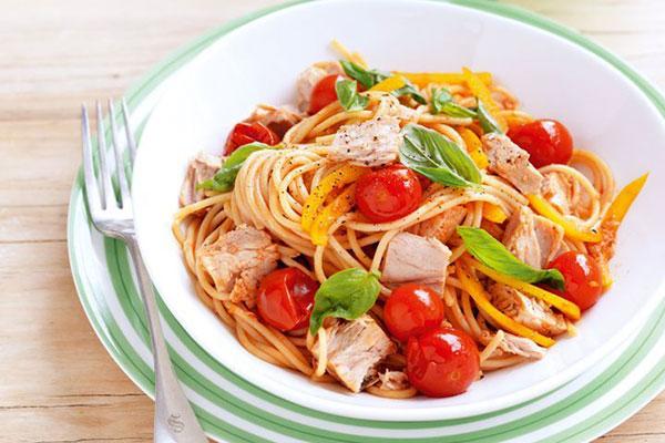 طرز تهیه مرحله به مرحله پاستا ایتالیایی تن ماهی