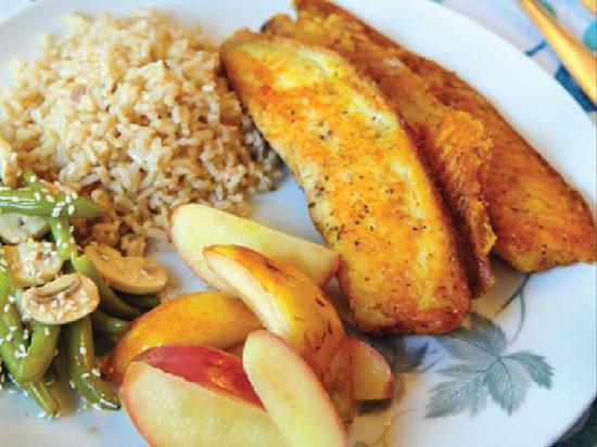 طرز تهیه خوراک ماهی با سیب و گلابی