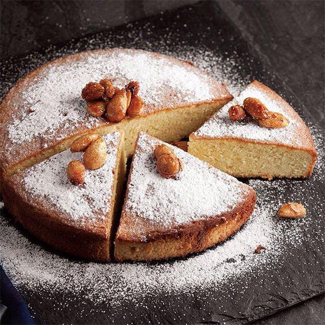 طرز تهیه کیک بادام اسفنجی خیس