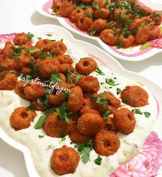 طرز تهیه کوفته فلاح در بستر بادمجان کبابی