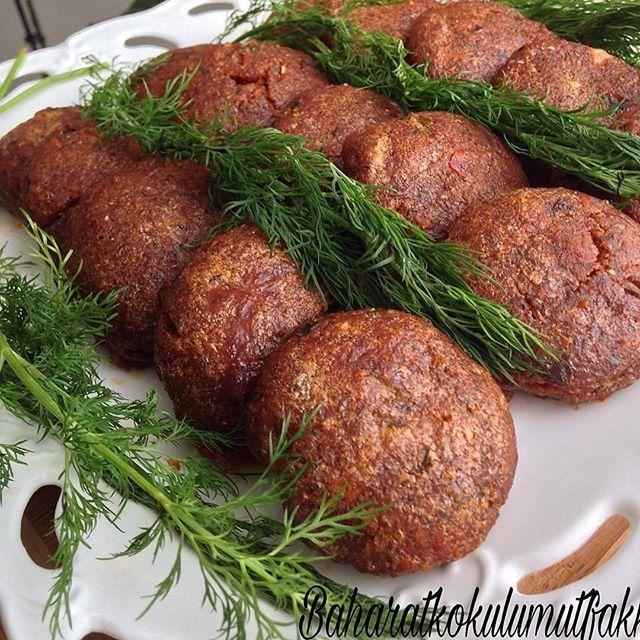 طرز تهیه کوکو ( یا کتلت یا کباب تابه ای) بلغور در فر