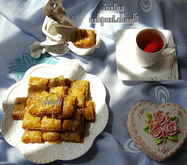 طرز تهیه باقلوای استانبولی با خمیر یوفکا